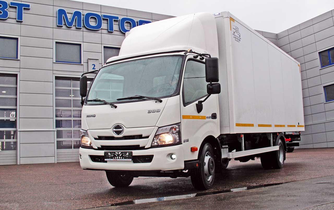 Среднетоннажный грузовик HINO 300